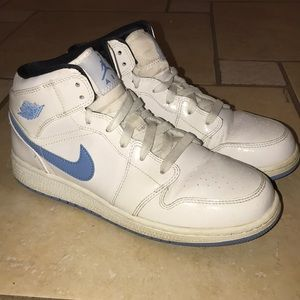 Nike Air Jordan One Boy's White/Carolina Blue Sz 7